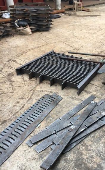 Sản xuất nắp hố ga thép 7